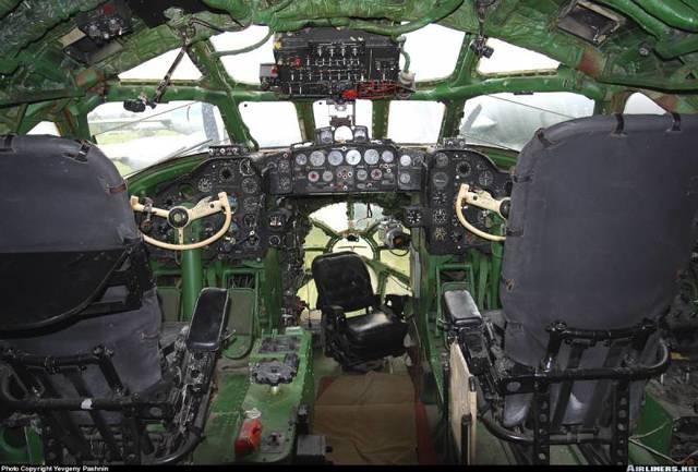 Самолет Ту-104: фото салона, история создания