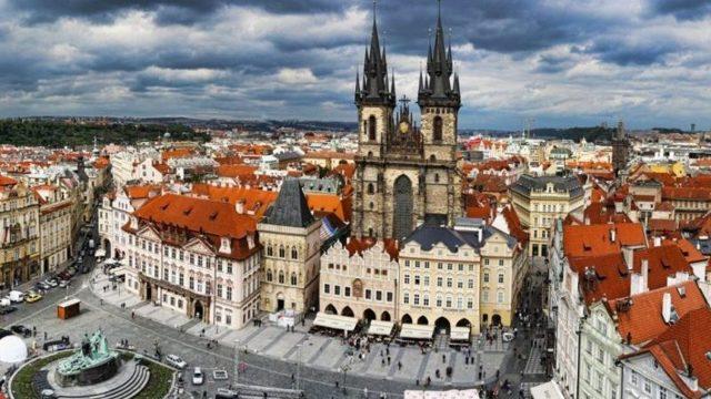Сколько лететь до Праги из Москвы прямым рейсом