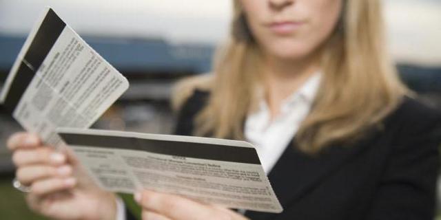 Таксы и сборы на авиабилеты: что это такое