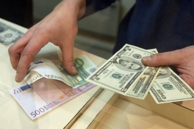 Сколько денег можно провозить через границу России без декларации