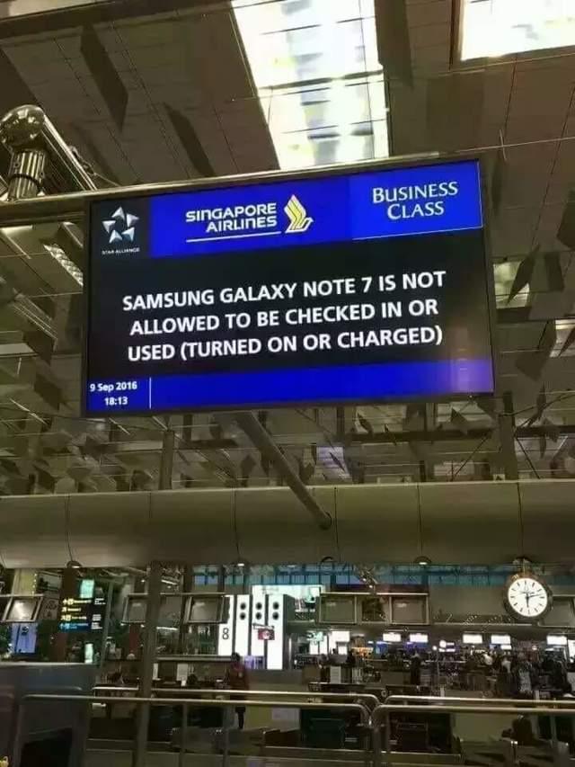 Какой телефон взрывается в самолете
