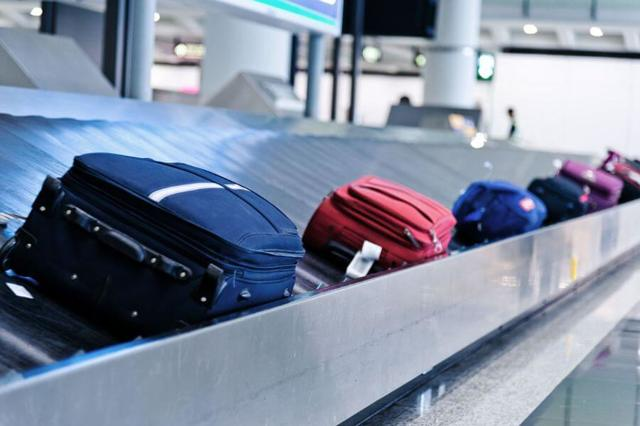 Правила перевозки багажа в самолете: вес и размеры багажа на одного человека