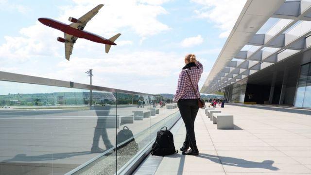 За сколько времени до вылета надо быть в аэропорту