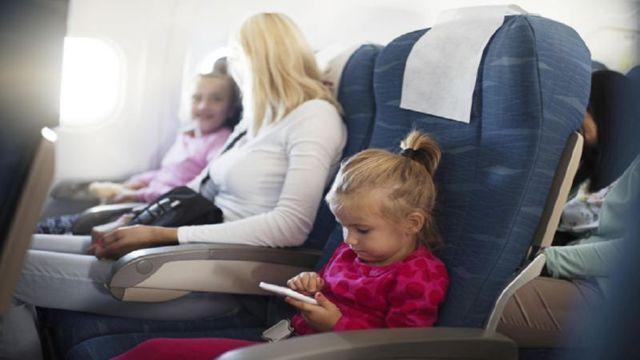 До какого возраста детский билет на самолет по России и сколько стоит
