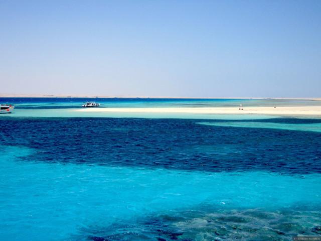 Куда лететь в мае на пляжный отдых