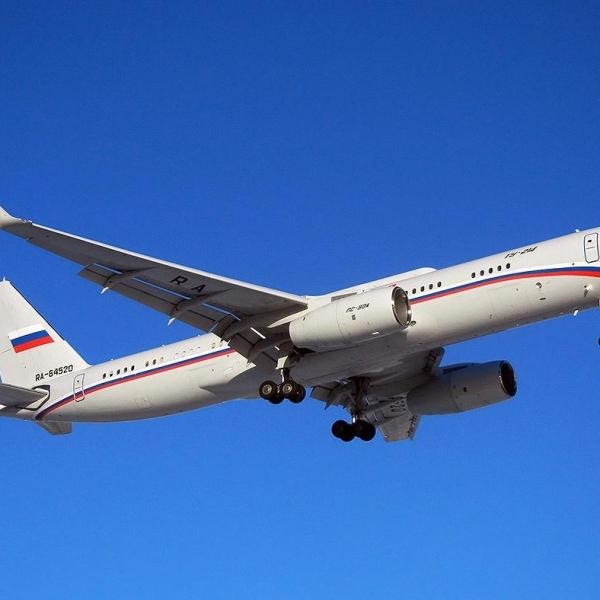 Самолет Ту-214: фото